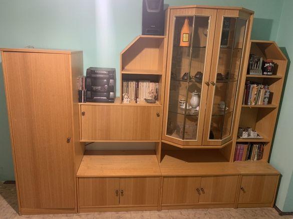 Модулна секция с гардероб и маса