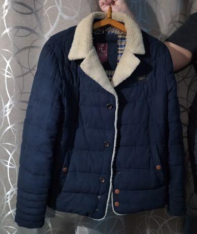 Продам куртку демисезонную