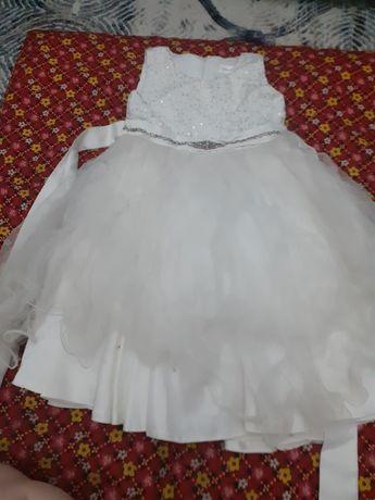 Срочно продам супер платье для садика