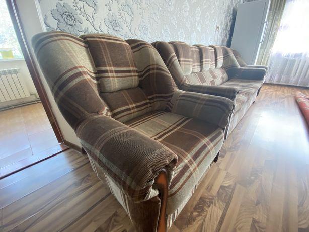 Диван с креслами( уголок)