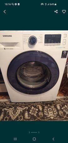 Продаётся стиральная машинка.