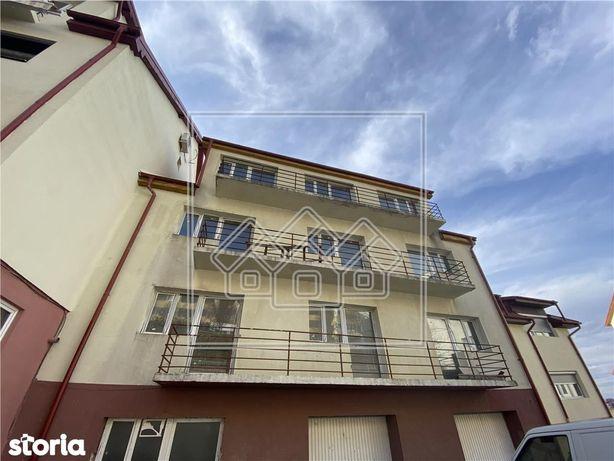 Apartament singur pe etaj, cu 2 terase si garaj - zona Strand II