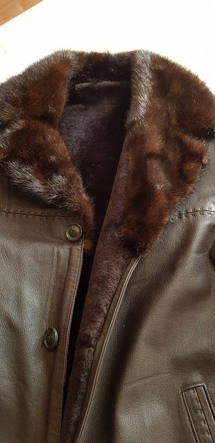 Продаю кожаную мужскую зимнюю куртку