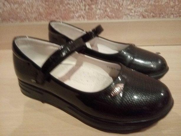Туфли лакированные для девочки, 33 размер