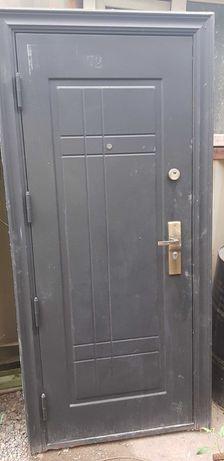 Металлические входные и межкомнатные двери, пластик  окны. Доставка
