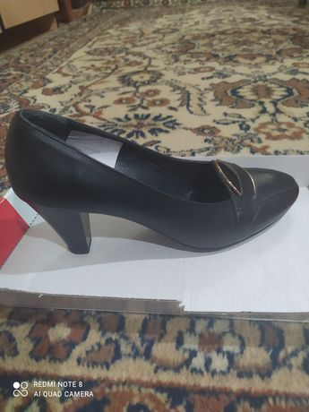 Продам туфли женские!