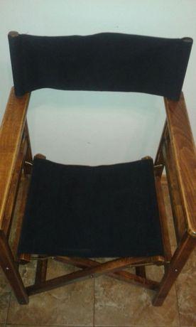 Дървен стол и един режисьорски