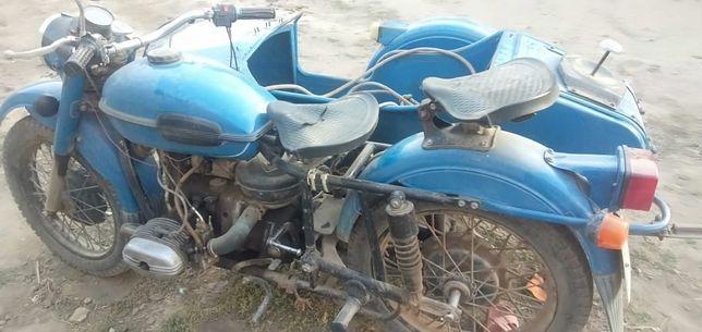 Продаеться мотоцикл урал состояния хорошее