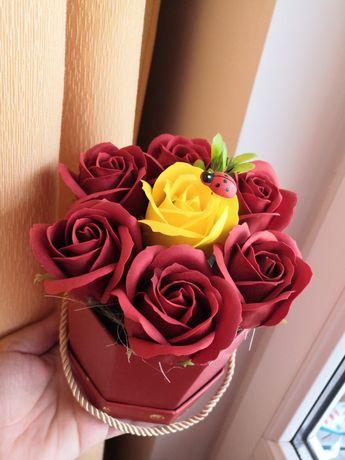 Aranjamente florale trandafiri de săpun