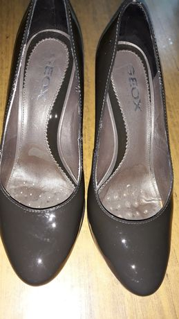 Дамски обувки на GEOX, изключително запазени, цвят графит