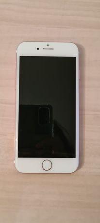 Продам айфон 7 в хорошем состоянии