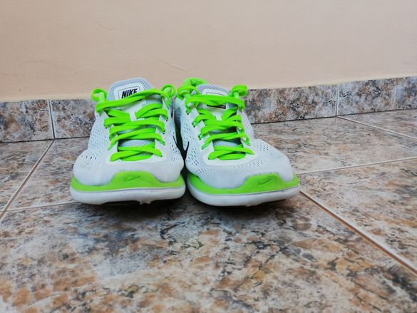 Обувки Nike Flex бели