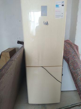 Холодильник самсунг   продам
