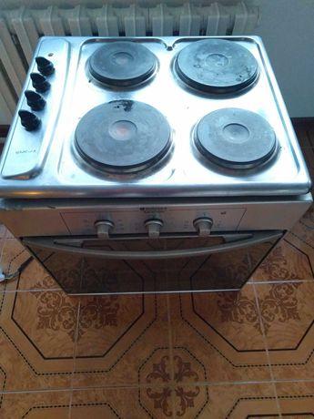 Электрическая духовка и плита