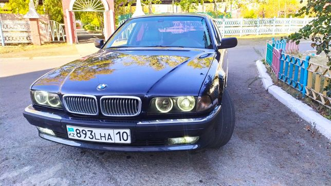 Продается BMW 728