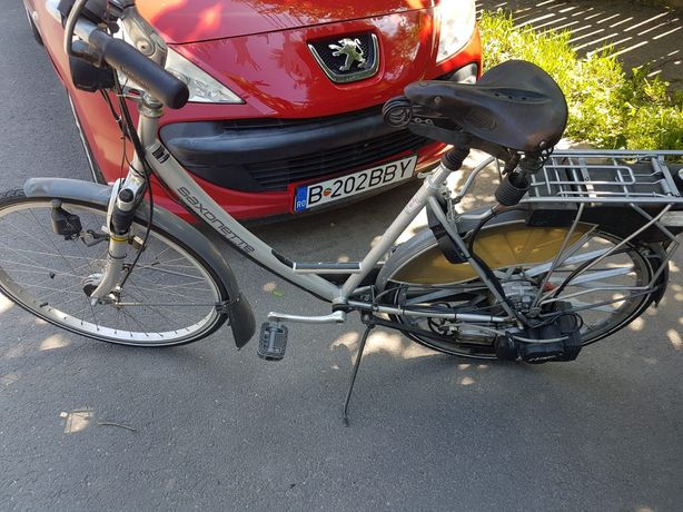 Bicicleta cu motor pe benzina ,