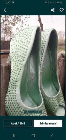 Vind pantofi damă nr 37