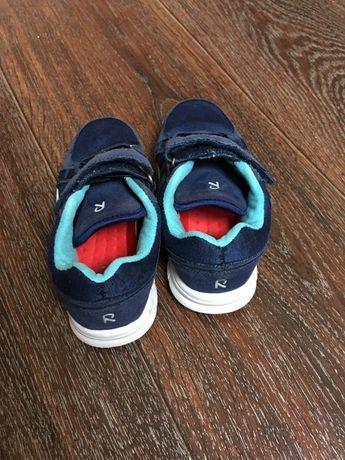 Продам кроссовки на мальчика фирма reima