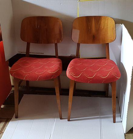 Lot 2 scaune tapițate cu stofă roșie