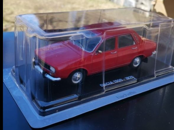 OFERTA Vand macheta Dacia 1300