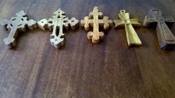 Дървени кръстове