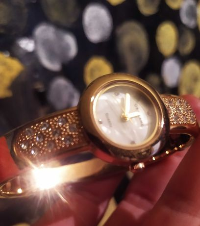 Часы женские наручные.Ленгер