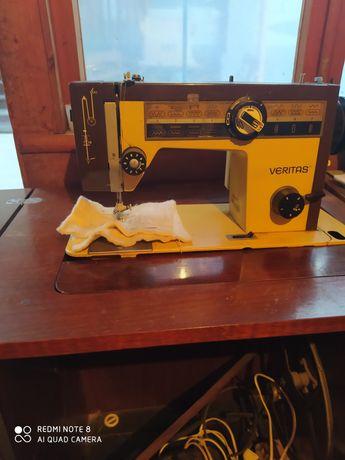 Машинка швейная Veritas