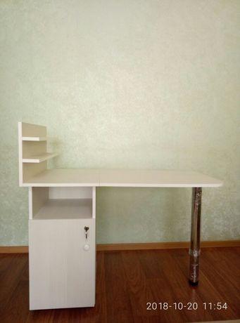 Продаю новые маникюрные ,складные ,столы