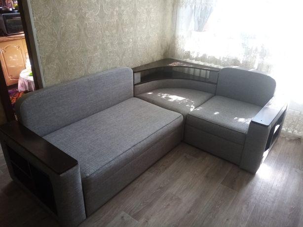 Продам угловой диван в идеальном состоянии