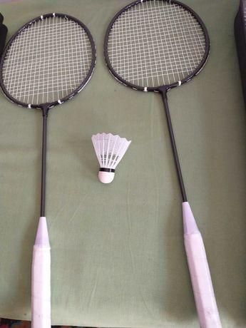 2 Rachete / Palete de Badminton si fluturas. Noi-noute