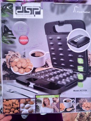 Продам.инструмент для выпечки орешков. И печениьи