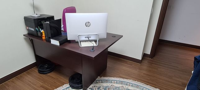 Столы офисные новые 2 шт
