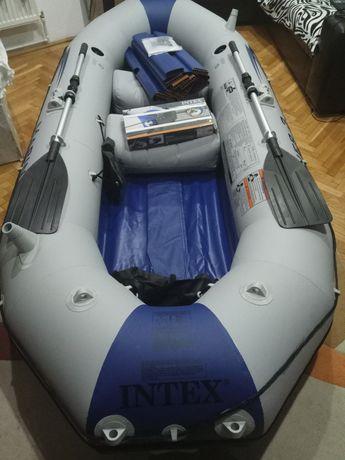 Barca Pneumatica cu Motor