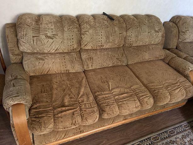 Мягкий уголок, диван и 2 кресла