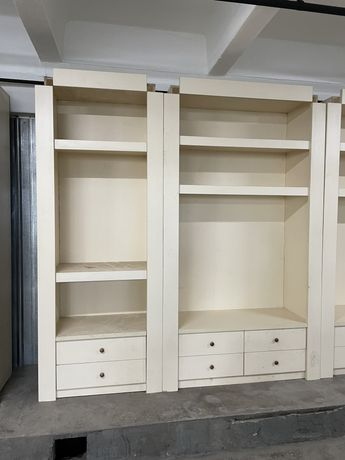 Продам торговую мебель шкафы