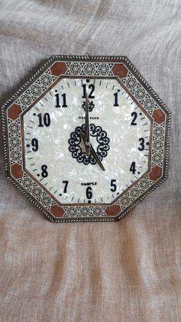 Стенен часовник със седеф и интарзия