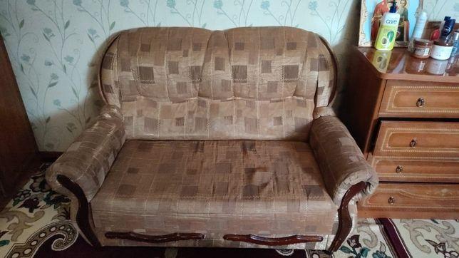 Малыи диван и кровать 2 этажная