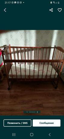 Кроватка детская, с матрасом,  состояние хорошее. Бортики в подарок.