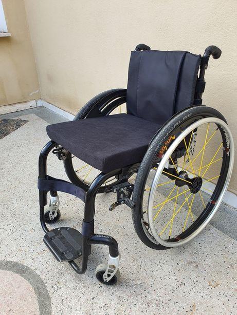 Carut carucior scaun activ Quickie Helium 38-40 handicap dizabilitati