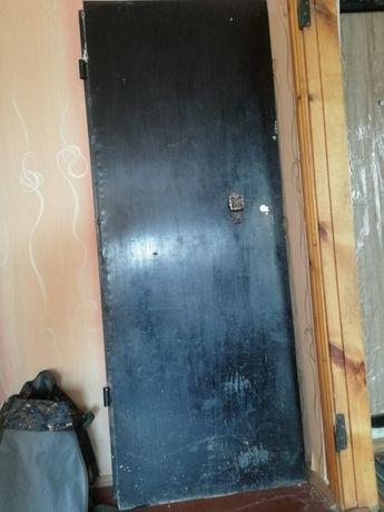 Продам железную дверь за 25тыс