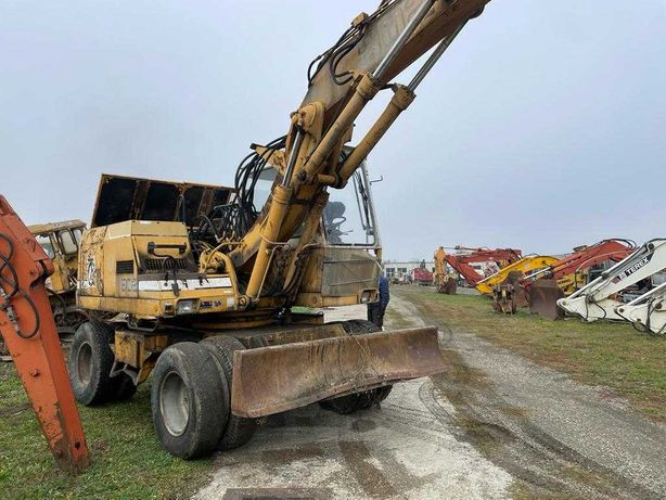Liebherr 902 dezmembrez excavator