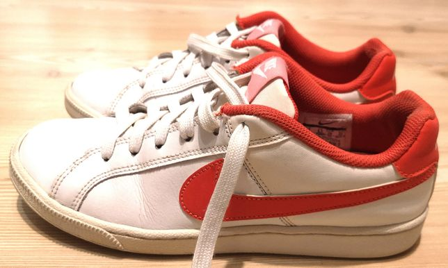 Adidas Nike WMNS Court Royale Red/White, 39