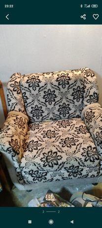 Кресло диван в хорошем состоянии