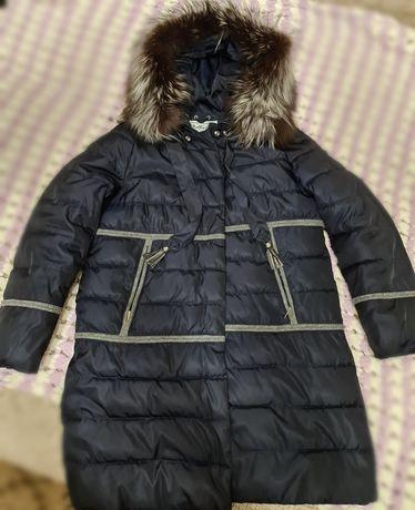 Продам женский зимний пуховик с натуральным мехом