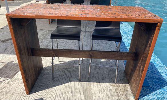 Бар маси и бар столове