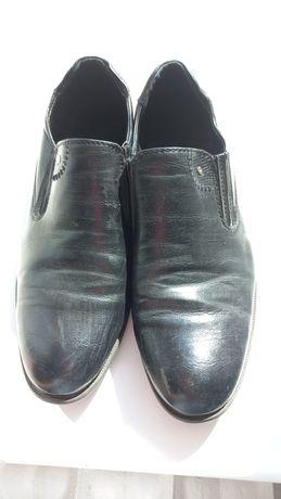 Продам кожанные туфли на мальчика