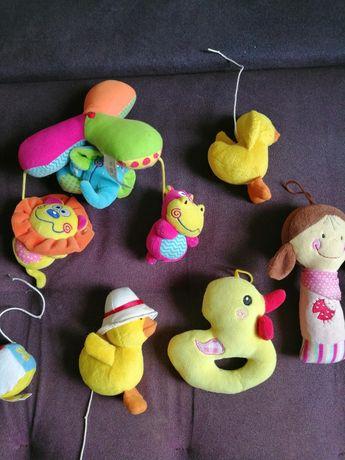 6 броя меки играчки за бебе