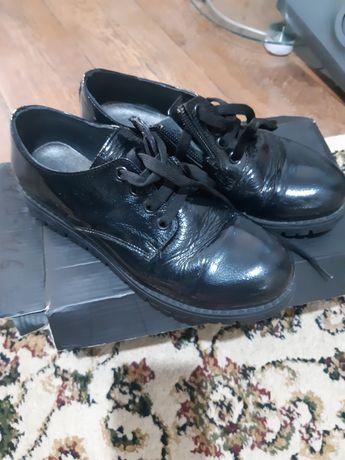 Продам обувь  испания