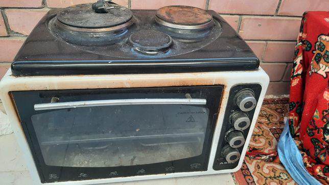 Продам печку не работает одна комфорка духовка работает
