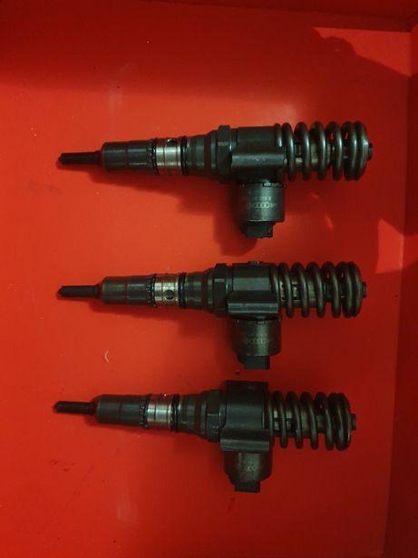 Injector vw passat b6 2.0 tdi bkd 140 cp 03g130073b Vw Seat Skoda Audi